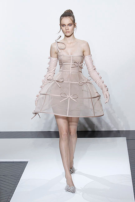 18ab0bfb9 Valentino wedding dresses: The best of bridal couture with some of the most  iconic designs ever made - Photo 8