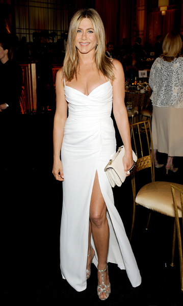 jennifer-aniston-wedding-dress1-