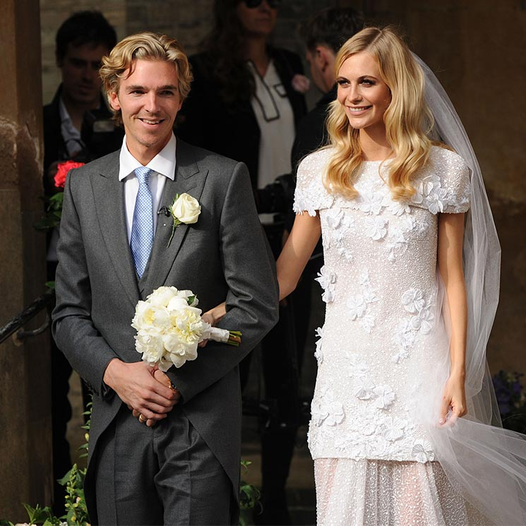 29 Iconic Celebrity Wedding Dresses: 8 Celebrities Who Wore Chanel Wedding Dresses By Karl