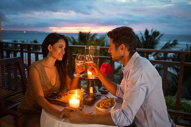 couple-romantic-meal-honeymoon