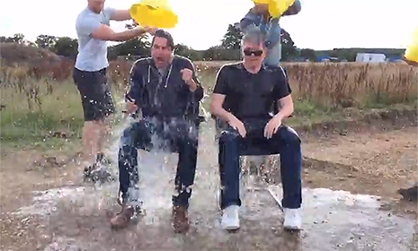 Tom Cruise rises to the Ice Bucket Challenge with eight hits