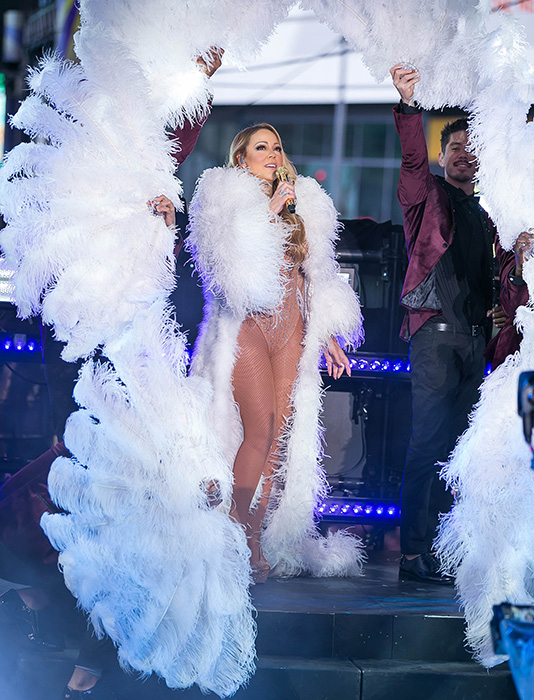 Mariah Carey 'mortified' by New Year's Eve performance ...