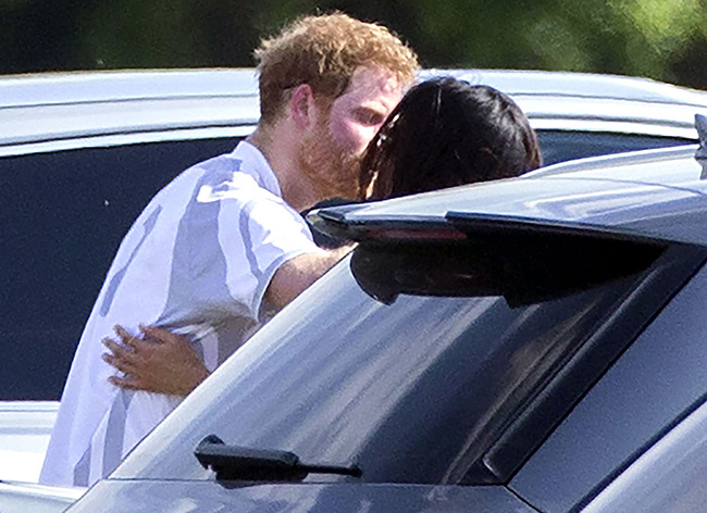 prince-harry-meghan-markle-kiss