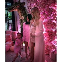 khloe-kardashian-baby-shower-kourtney-new