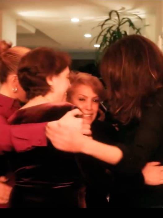 jennifer-lopez-sisters-and-mum-party