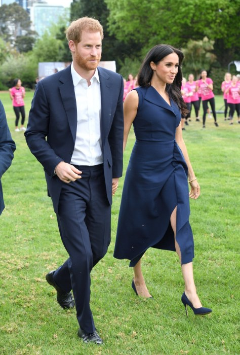 meghan-markle-navy-dress-no-coat