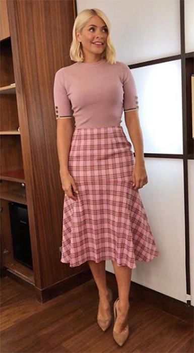 holly-wiloughby-pink-top-pink-check-skirt