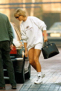 Princess Diana wearing trainers