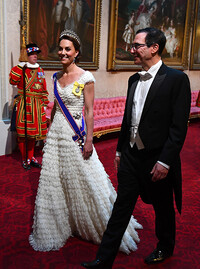 1-kate-middleton-in-white-at-state-banquet