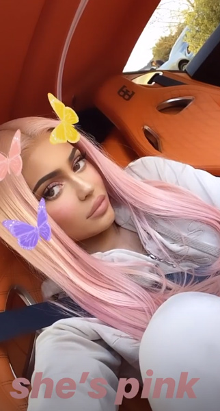 kylie-jenner-pink-hair-