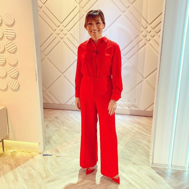 lorraine-kelly-outfit-hair