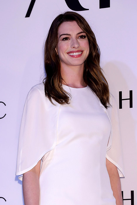 anne hathaway reveals the reason for her weight gain and