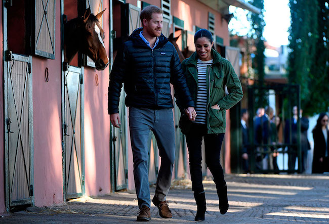 meghan-markle-harry-at-stables
