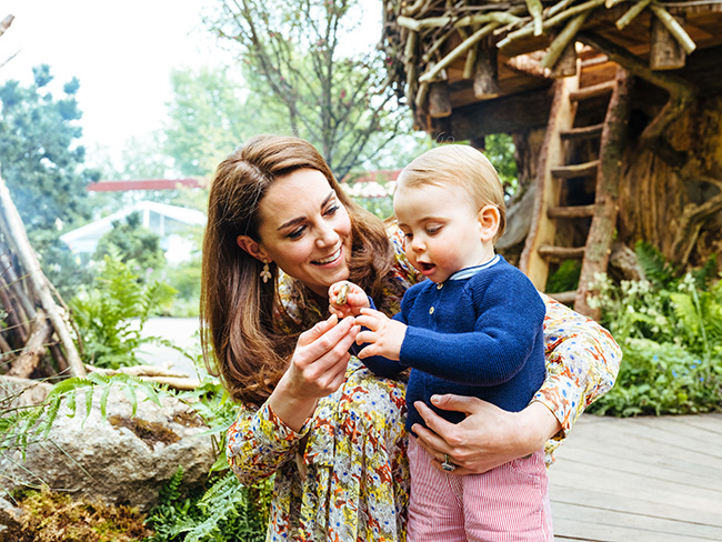 kate-middleton-and-prince-louis-at-chelsea-flower-show