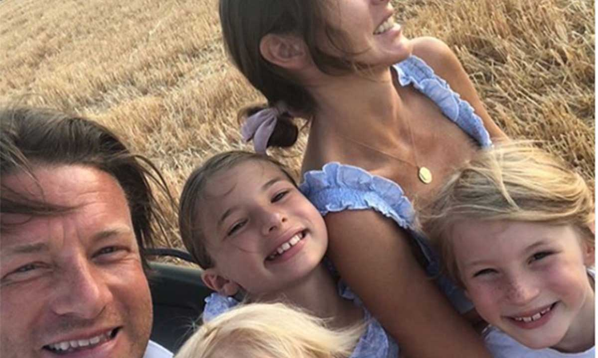 jamie-oliver-family-children-wife