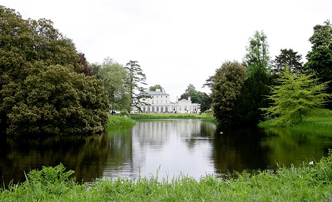 Frogmore-House-grounds