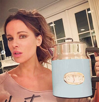 4-Kate-Beckinsale-kitchen-RH-kettle