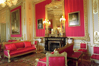 crimson-drawing-room-in-windsor