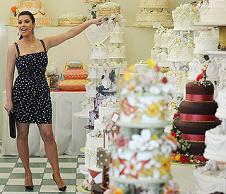 Bridetobe Kim Kardashian shops for wedding cake Latest celebrity
