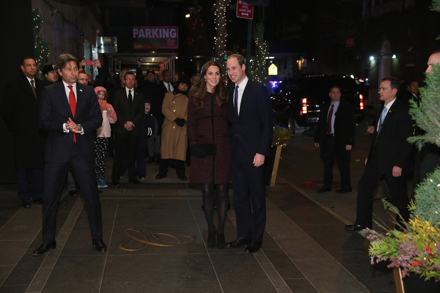 Wedding Gift Calculator New York : Prince William and Kate Middleton arrive in New YorkPhoto 7