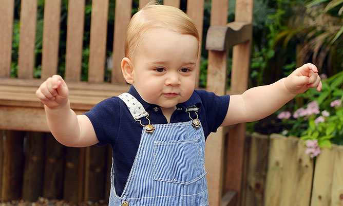 Will Prince George visit his baby sister in hospital?