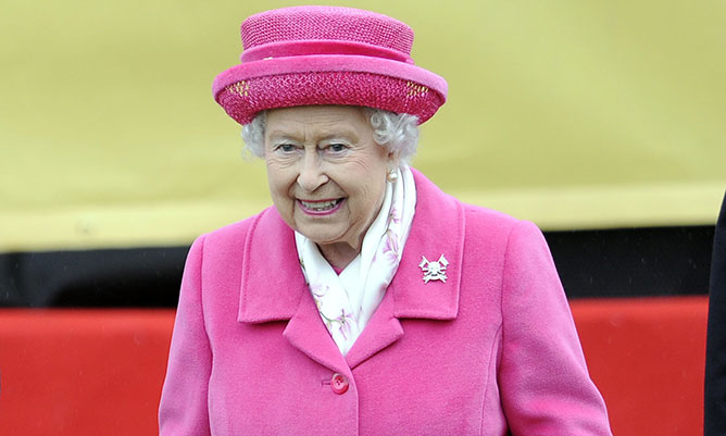 The Queen wears pink coat in nod to William and Kate's baby girl
