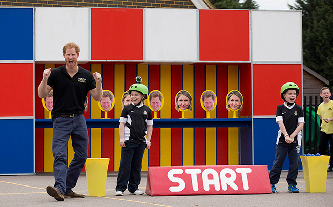 prince-harry-cheering-