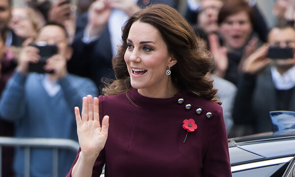 kate-middleton-waving