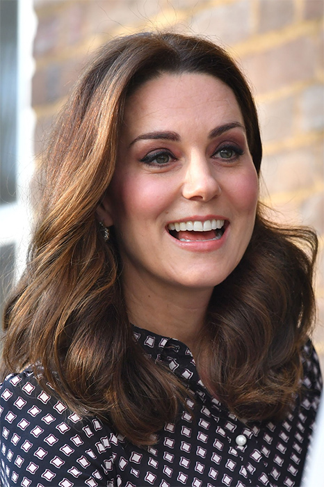 kate-middleton-close-up-at-foundling-museum