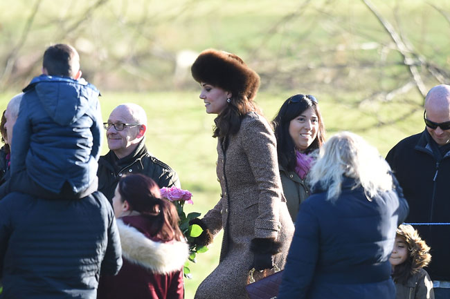 kate-middleton-church-coat