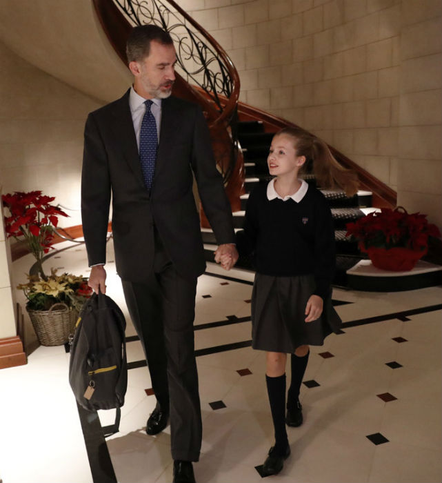 king-felipe-with-daughter