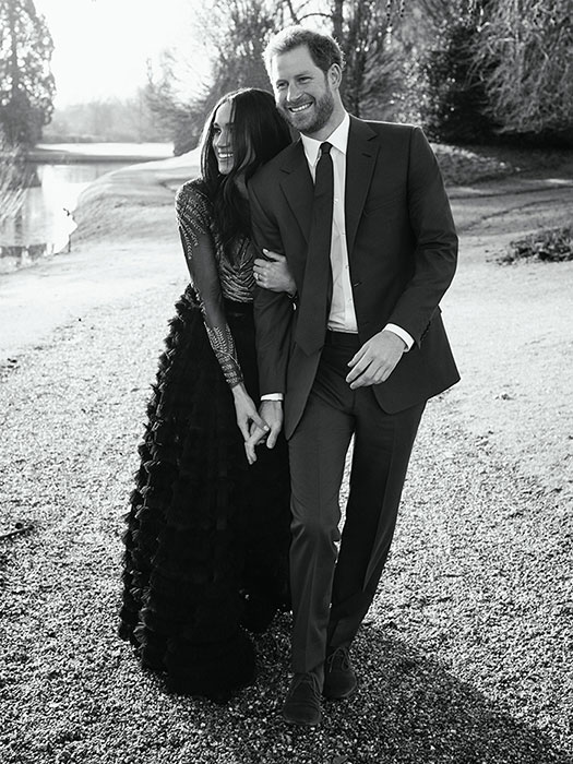 prince-harry-meghan-engagement-photo-frogmore-house