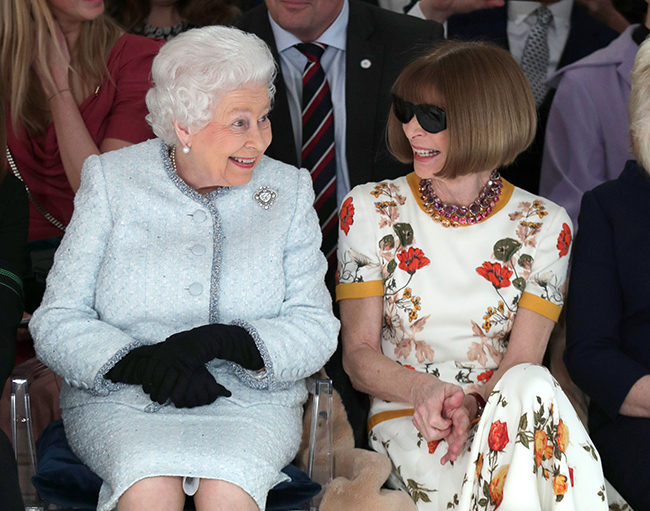 the-queen-anna-wintour