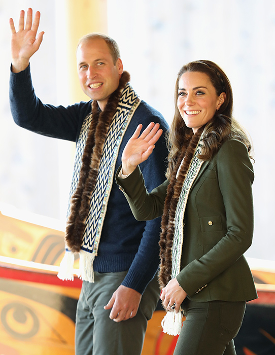 kate-middleton-prince-william-scarves-canada
