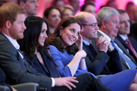 kate middleton meghan markle sit together