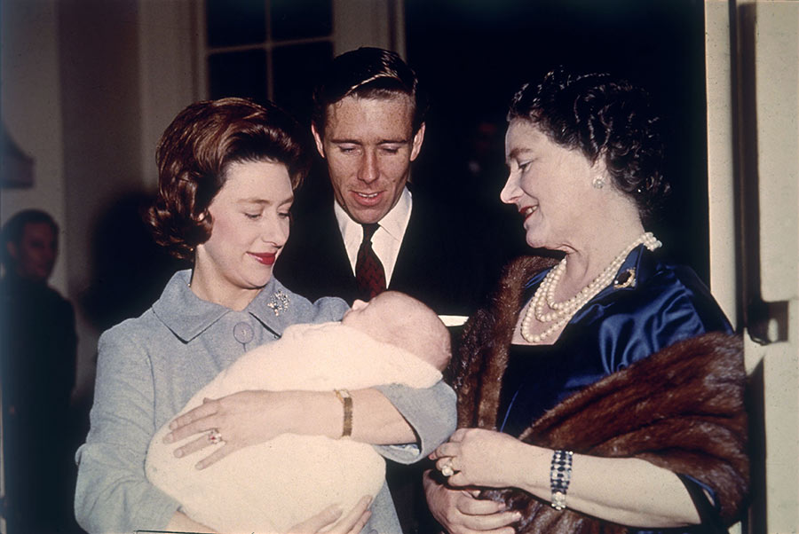 princess-margaret-with-baby-David-Linley