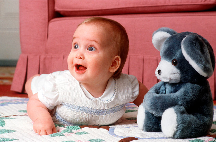 prince-william-blue-eyes-baby