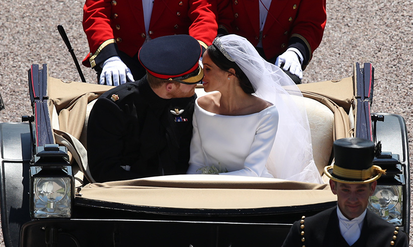 meghan-markle-wedding-kiss