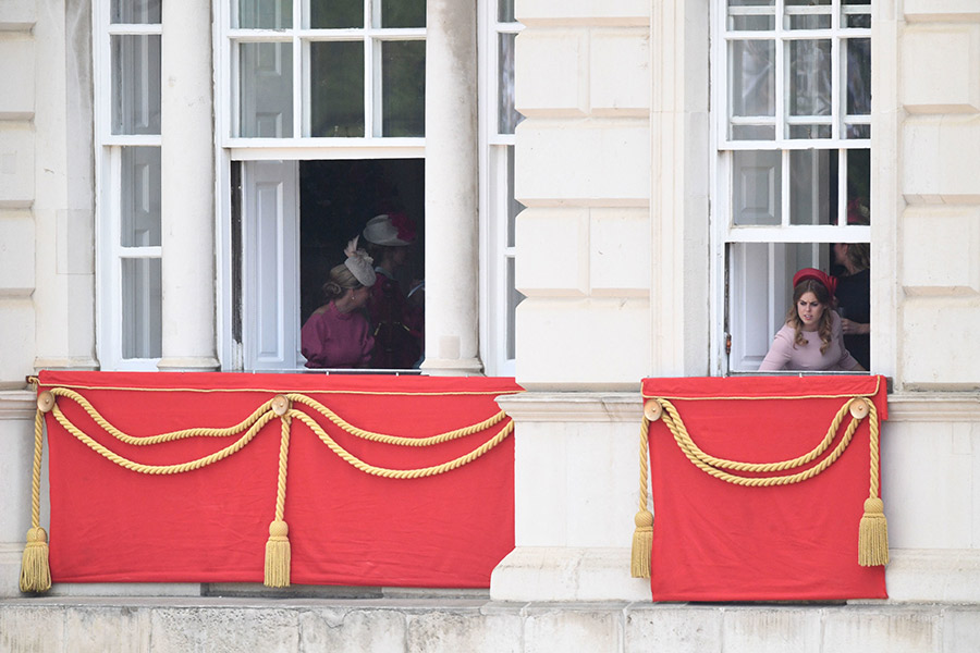beatrice-wessex-watching-parade