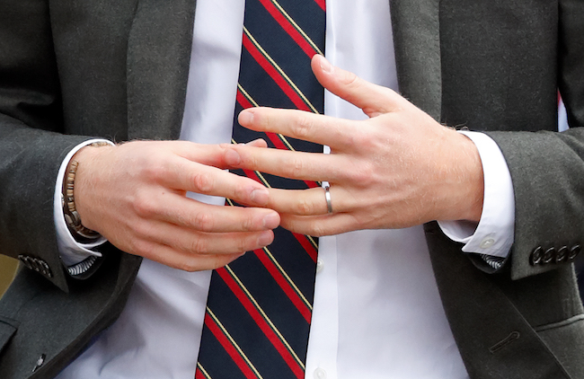 A Close Look At Prince Harry S Wedding Ring And Why It S