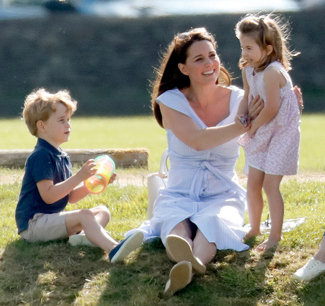 princess-charlotte-with-mum-kate-middleton-and-prince-george