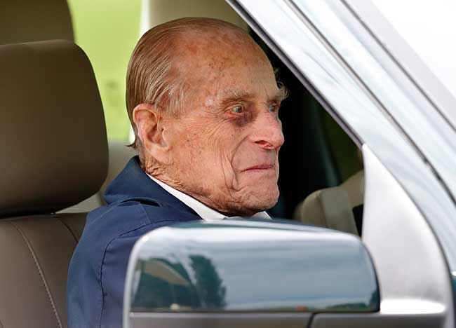 Prince-Philip-driving-windsor-horse-show