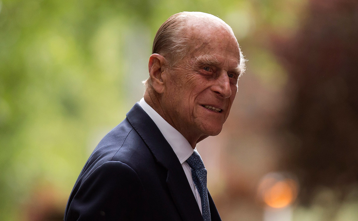 See Prince Philip's letter thanking fans following his ...