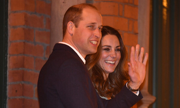 prince-william-waving-with-kate-middleton