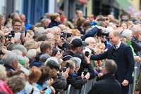 prince-william-meets-the-crowds