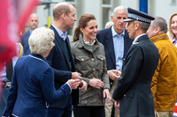kate-middleton-chatting-to-volunteers-in-keswick