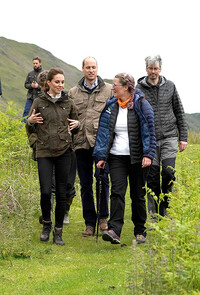 kate-middleton-walking-in-cumbria