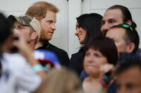 harry-and-meghan-looking-at-each-other