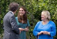 kate-middleton-hampton-court-garden