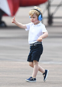 Prince George gives thumbs up